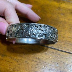 Vintage silver tone hinged bracelet embossed